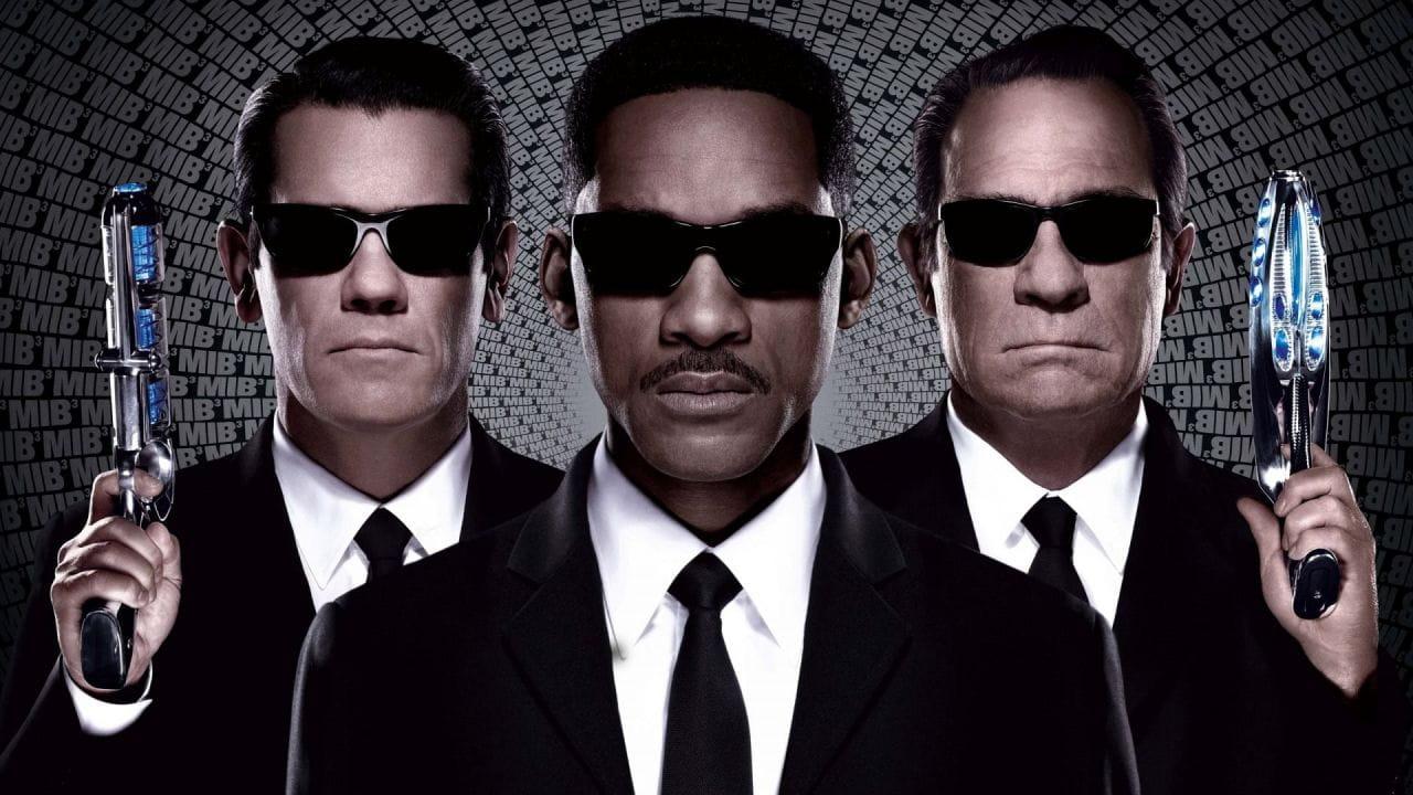 Urmăriți online Bărbații în negru 3